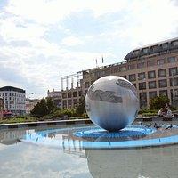 фонтан мира