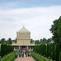 The gardens and the Maqbara