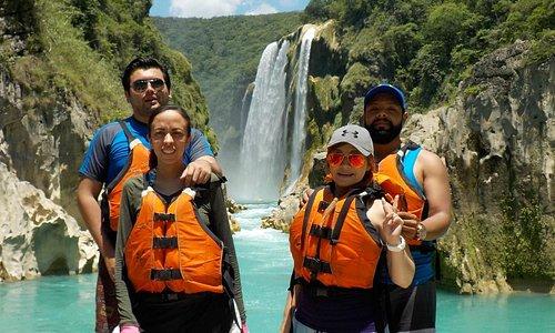 (Cascada de Tamul) La cascada más imponente y hermosa de todo el estado.