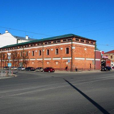 Вид на здание с привокзальной площади