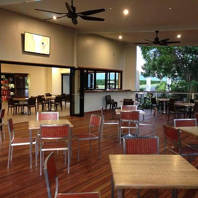 Jaques Coffee - Deck Area