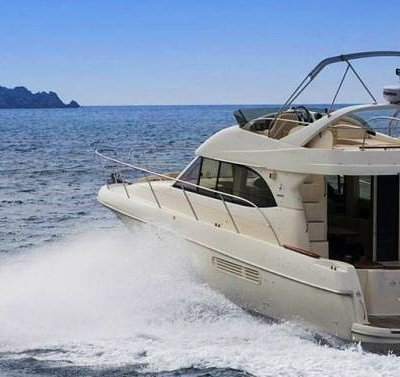 Yacht for rent-Prestige 36 fly