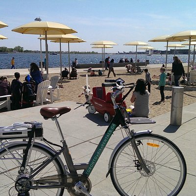 Toronto eBike Rentals at H20 beach Harbourfront