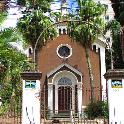 a capela está abandonada