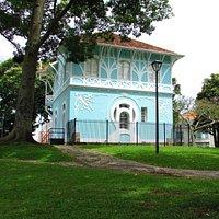Aqui foi a primeira estação de rádio do Paraná