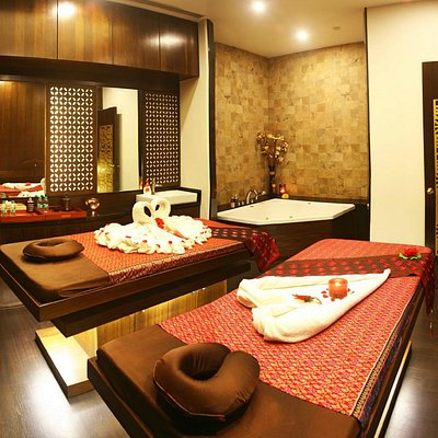 Couple Massage Room with Jacuzzi