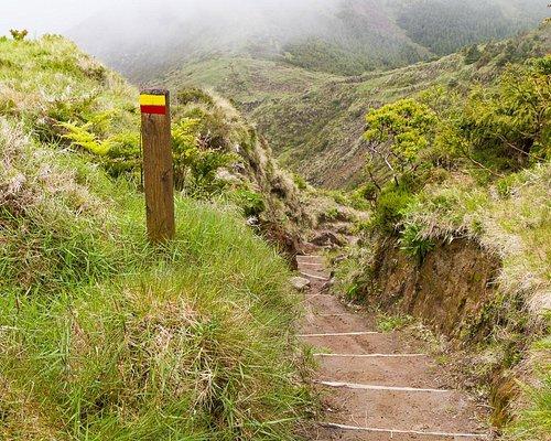 The trail down Pico da Vara