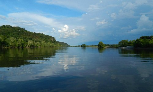 Photo taken from Blue Heron Cruises on the Cumberland Riviera