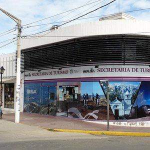 UBICADO EN EL CENTRO HISTORICO de VILLA DE MERLO