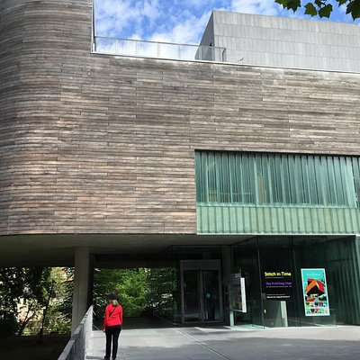 The gallery building is clearly excellent architecturally but hard to navigate- art displays our