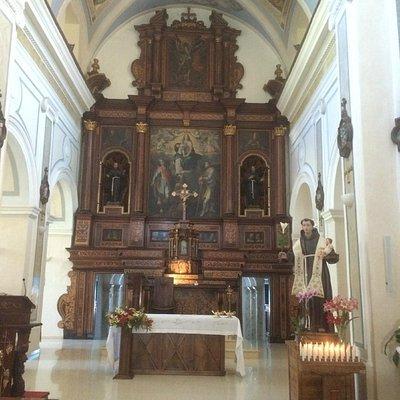 Altare ligneo