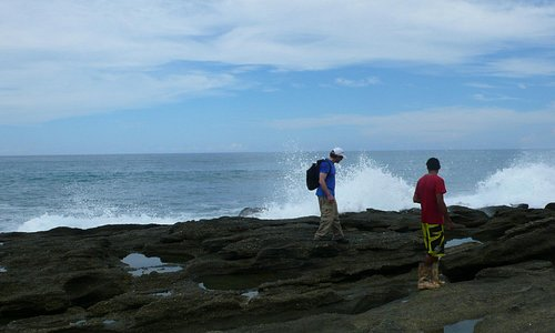 We dismount from the horses and check out the tidepools