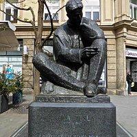 Nikola Tesla Statue