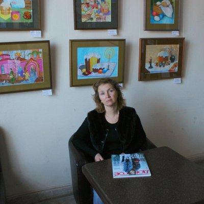 В холле музея выставка детского творчества