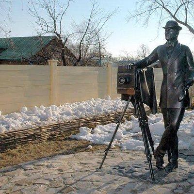 Памятник симбирскому фотографу