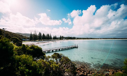 Middleton Beach is one of the most popular beaches in the Great Southern Region. There's cafes,