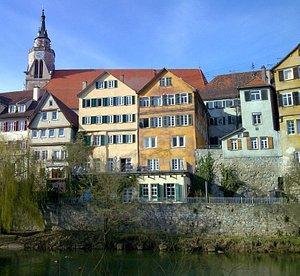 Zimmertheater von der Neckarinsel aus gesehen