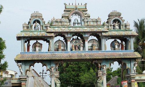 Temple entrance, Thirkadaiyur