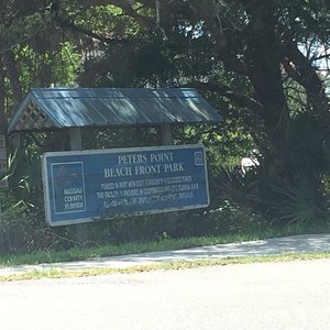 Entry sign and parking next to Ritz Carlton Resort