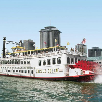 The Paddlewheeler Creole Queen with the New Orleans skyline on the Mississippi River