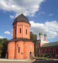 Храм Петра в бывшем Высоко-Петровском монастыре