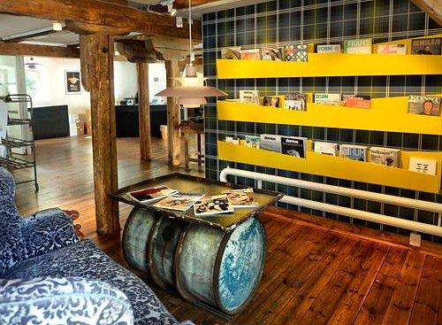 Museet har ett tidskriftskafé med ett stort urval tidskrifter inom design, arkitektur, konst m m