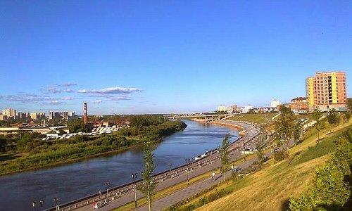 Вид с моста на город