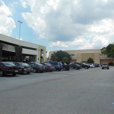 Altamonte Mall parking garage