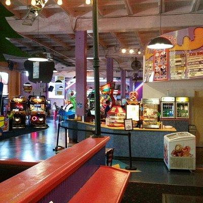 Family Fun Center & Bullwinkles Restaraunt