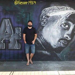 Tupac mural