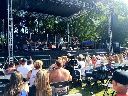 Front seated section at Pozo's concert stage