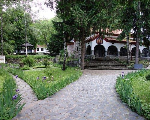 El frente del monasterio