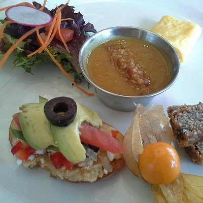 Carrot and Bean - a breakfast destination on the coast!