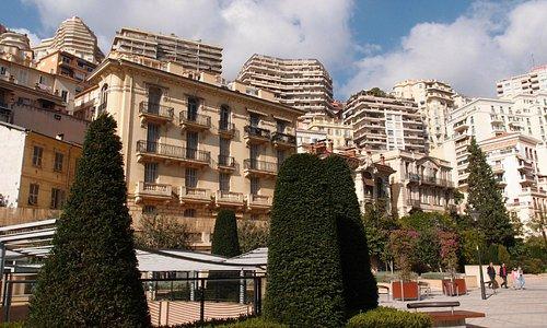 Вид с площади перед музеем