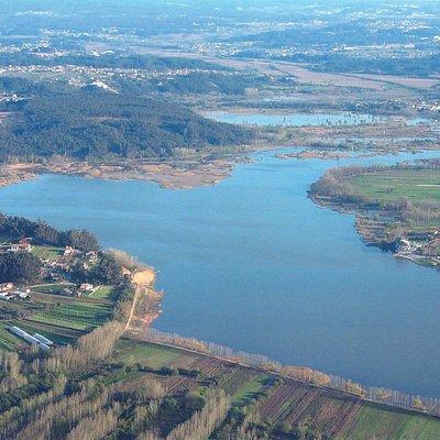 A Pateira é uma das maiores lagoas naturais da Península Ibérica.
