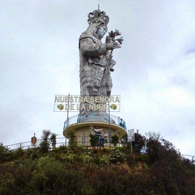 Estatua Virgen de la Nube