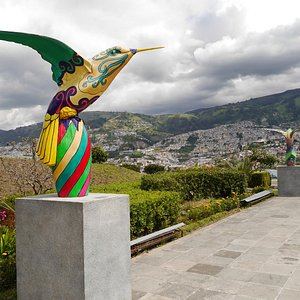 Paseo de los Quindes, junto Centro Cultural Itchimbia