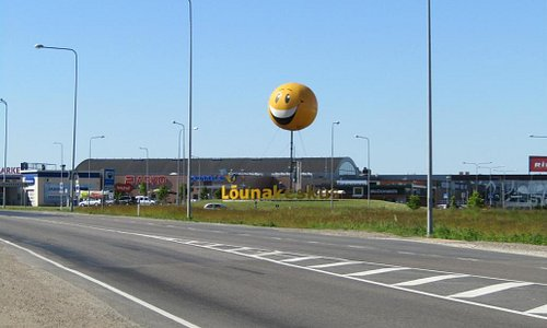 Iconic smiley balloon visible from any direction