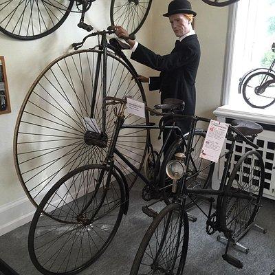 Danmarks cykelmuseum bl.a. med verdens ældste racercykel (en væltepeter fra 1865)