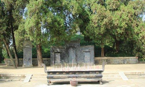 墓前の石碑