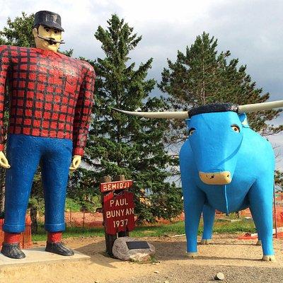 Paul Bunyan & Babe the Blue Ox.