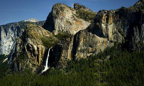 Bridaveil falls desde el mirador del tunel