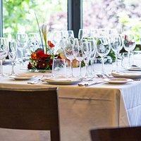 Detalle mesa vestida para evento