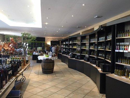 salle de dégustation et vente de produits du terroir