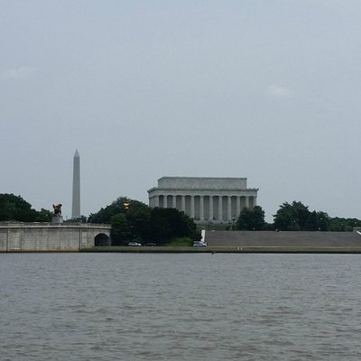 View of Lincoln Memorial and Washington Monument from National River Tour