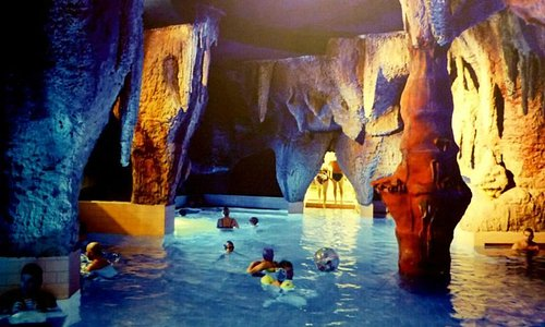 Relaxing Cave bath for kids and adults