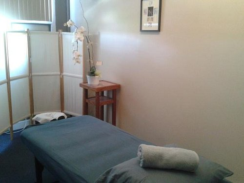 Side-by-side Shiatsu massages   are also available! Please book in advance!