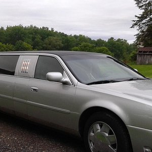 6-person limo, front view