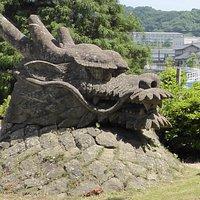 八俣大蛇の石像