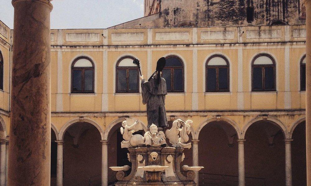 Se passate da San Martino delle Scale - Monreale, non potete fare a meno di visitare l'abbazia